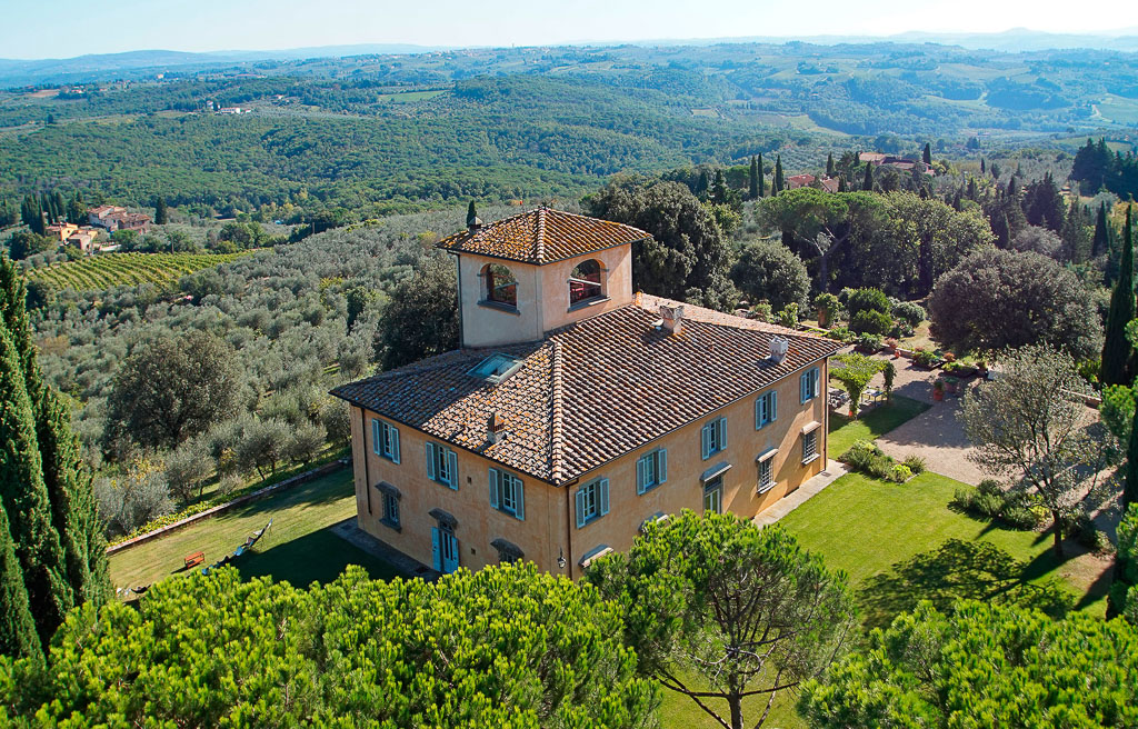 Exclusive Villa With Tower